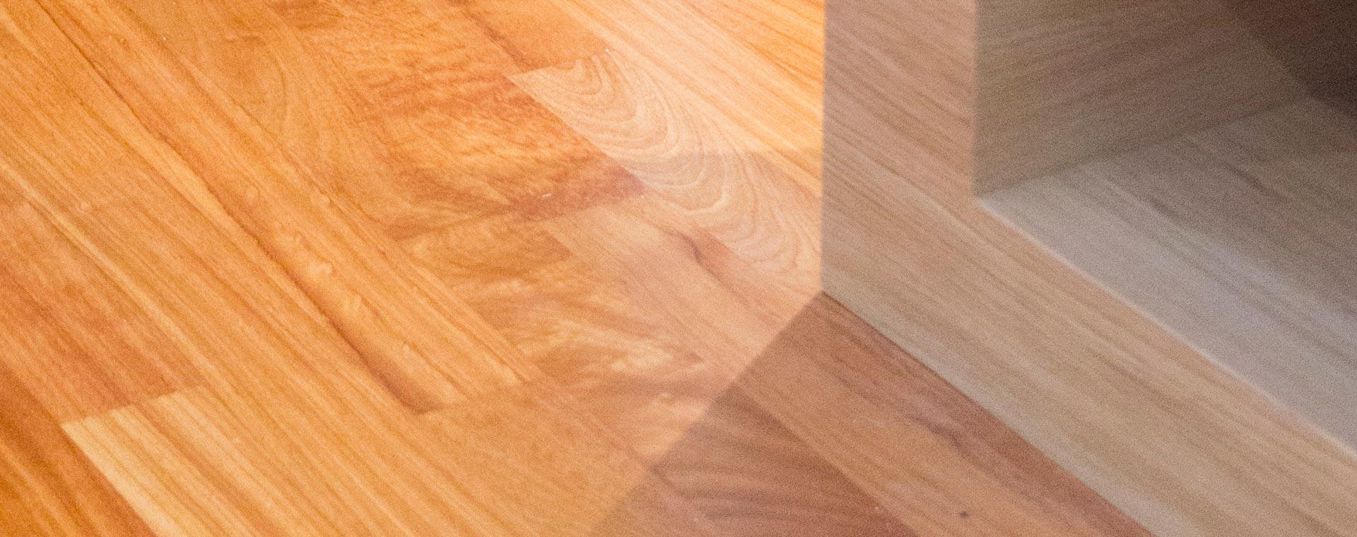Підлога з дерева Дюссі, меблі з Дуба